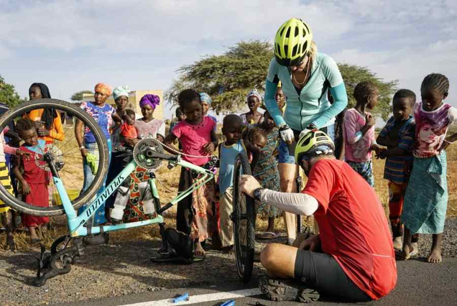 mimi and david pump up tire - TDA Global Cycling Blogs: Staff Picks for 2018