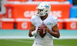 Tua Tagovailoa in warmups before Miami Dolphins played Buffalo Bills