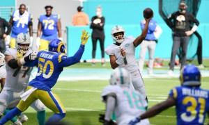 Tua Tagovailoa throws a pass for Miami Dolphins