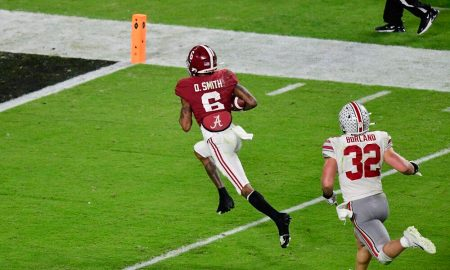 DeVonta Smith runs a reception in for a touchdown for Alabama versus Ohio State in 2020 CFP national title game