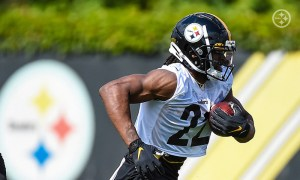 Najee Harris at Pittsburgh Steelers rookie minicamp performing drills