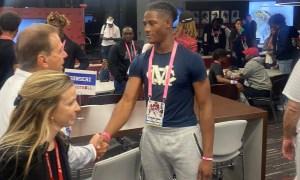 Sterling Dixon shakes NIck Saban hand during Alabama viist
