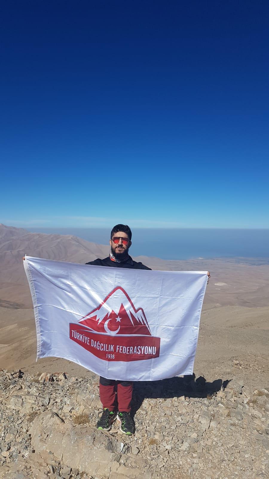 Çeper (Vavira) Dağı tırmanışı gerçekleştirildi.