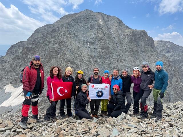 Asya Dağcılık Kulübü Kaçkar Dağları'nda tırmanışlar gerçekleştirdi.