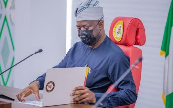 Makinde inspects on-going Akobo flyover, Lekan Salami Stadium, Ajia-Airport-Ife Expressway projects