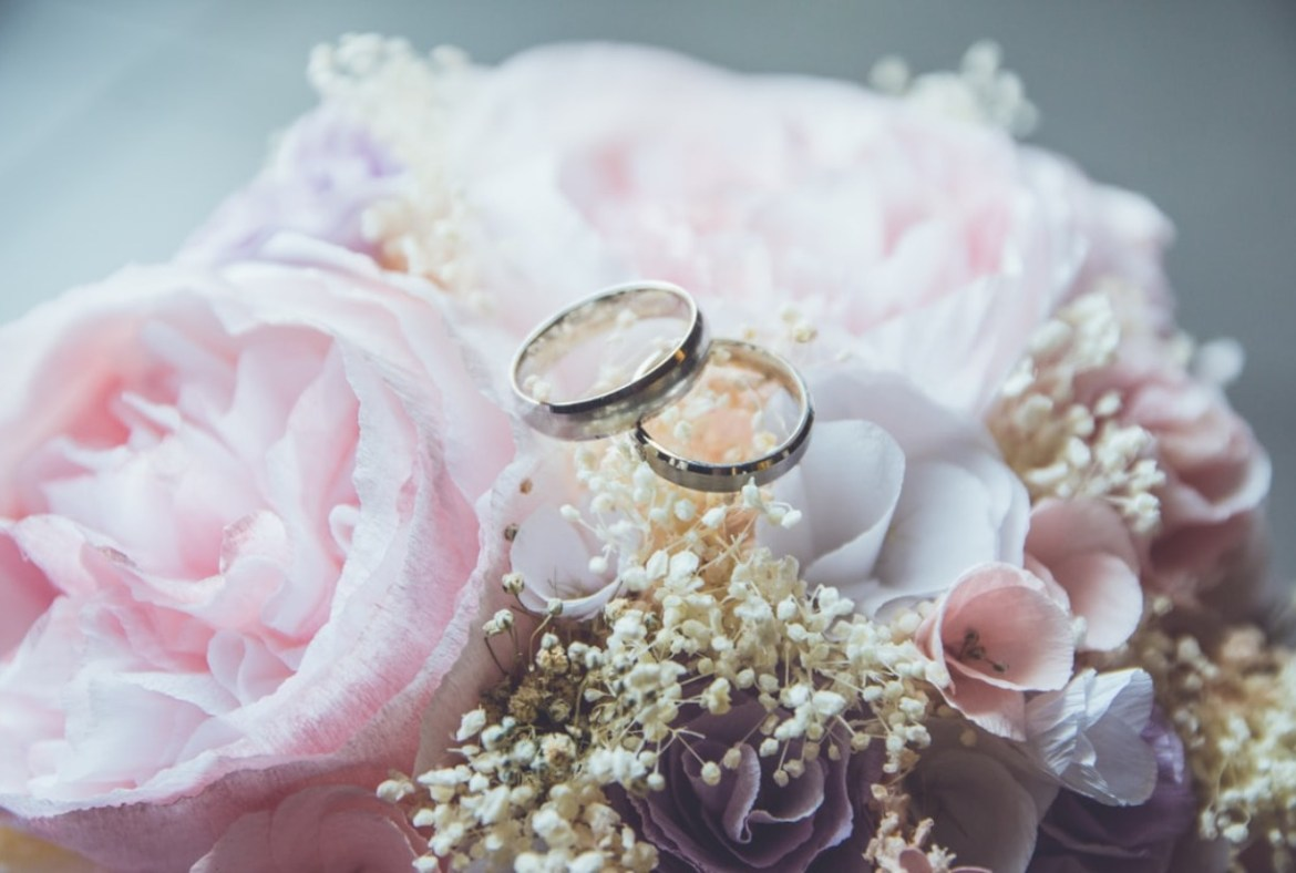 Outdoor civil wedding and partnership registrations to be legalised in UK