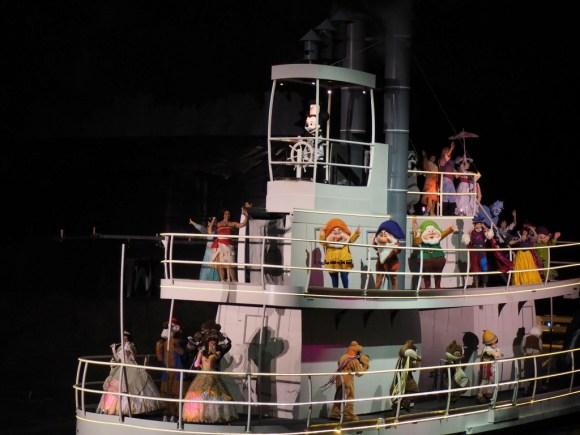 WDW ファンタズミック 蒸気船ウィリー