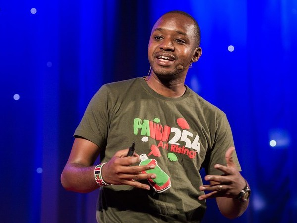 The Day I Stood Alone - Boniface Mwangi TED Talk (c)TEDGlobal