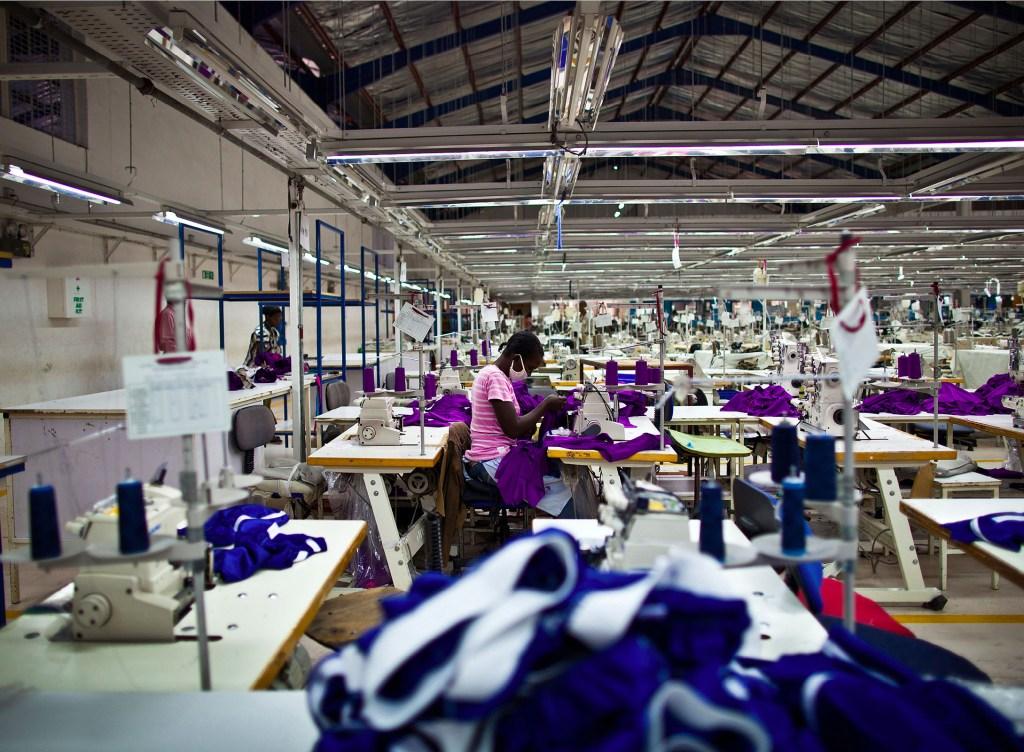 Kenya apparel sourcing [image: courtesy of fashionatingworld.com]