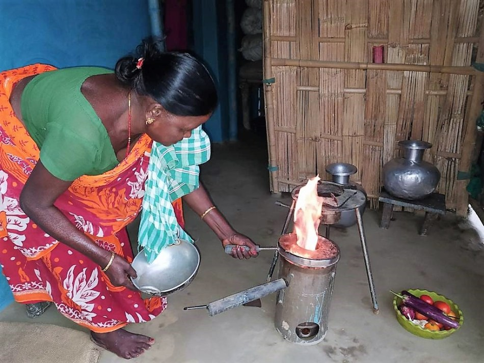 Low emissions cook stove