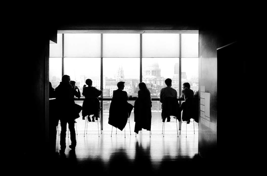 small talk people sitting silhouette Zeller