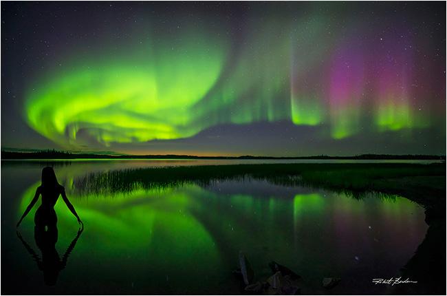 Yell-3-Northern-Lights-Lake