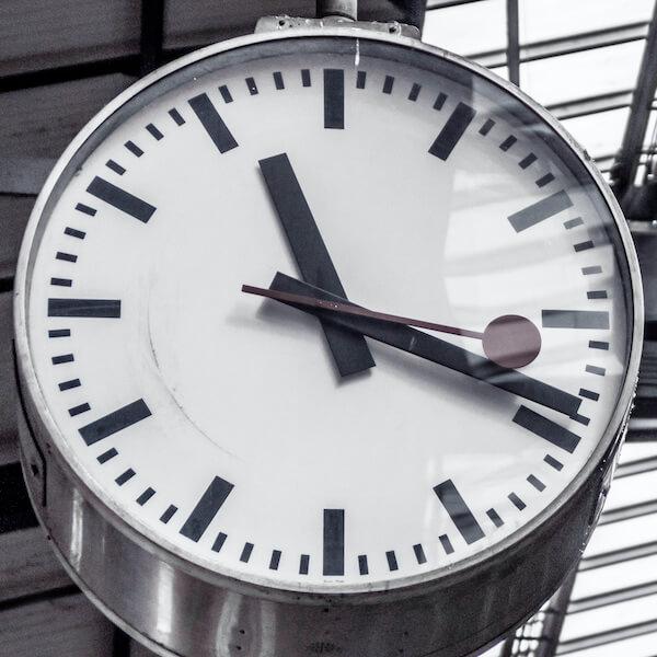 Analog clock; time for pandemic Christmas