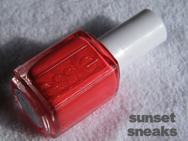 Sunset Sneaks Swatch - Essie Peach Side Babe Collection Swatches - Tea & Nail Polish