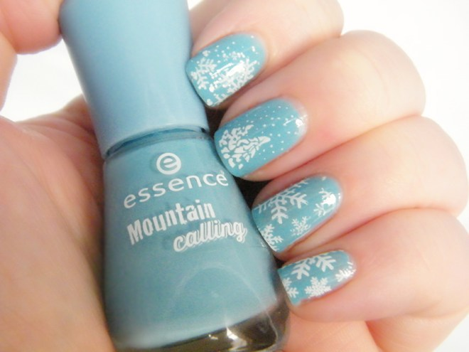 Essence Mountain Calling Blue Snow Nail Art