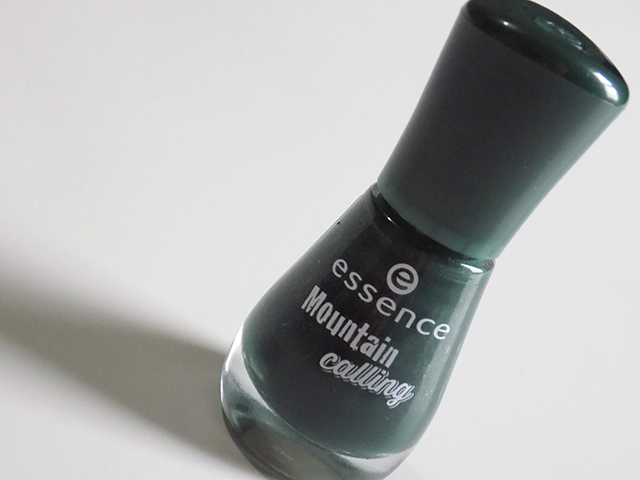 Essence We Love Winter Holidays - Mountain Calling Nail Polish
