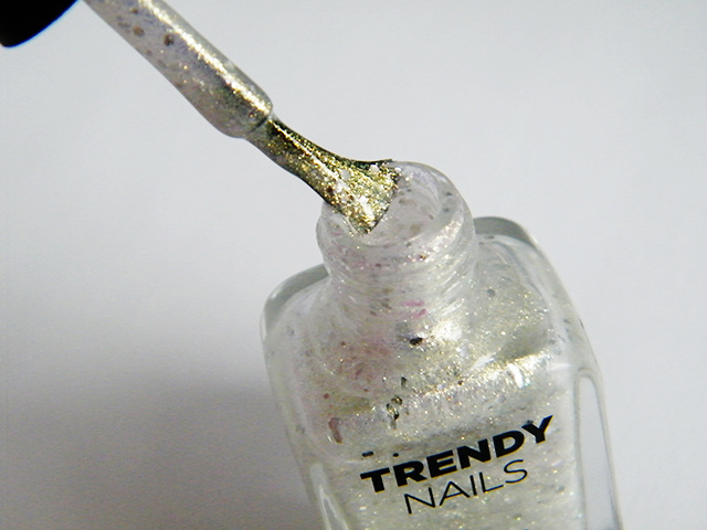 thefaceshop the face shop Trendy Nails Glitter GLI003 swatch bottle brush