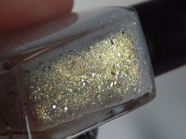 thefaceshop the face shop Trendy Nails Glitter GLI003 swatch