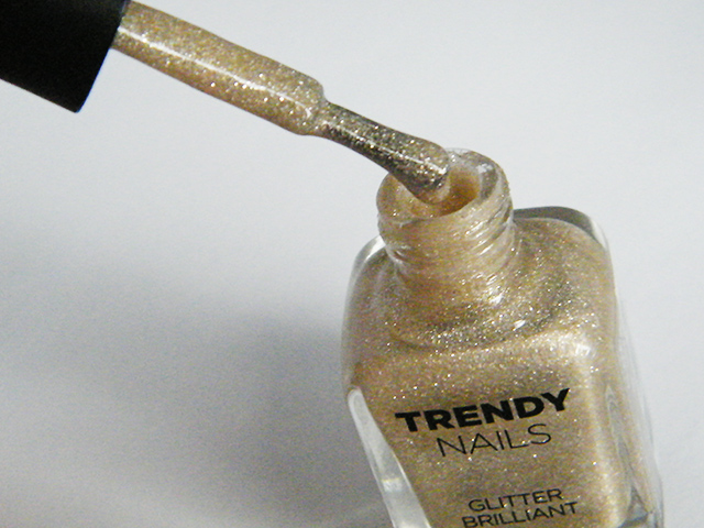 thefaceshop the face shop Trendy Nails Glitter GLI006 bottle pic brush
