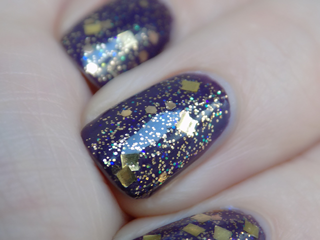 thefaceshop the face shop Trendy Nails Glitter GLI016 swatch