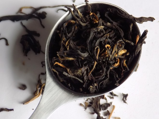 davidstea nepal black dry leaf perfect spoon
