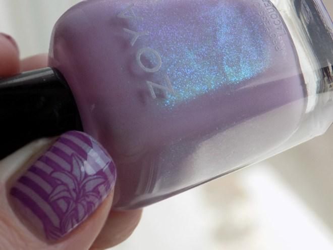 Zoya Leslie Mira Floral Nail Art thumb