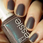 Essie Coat Couture Swatches + Nailart