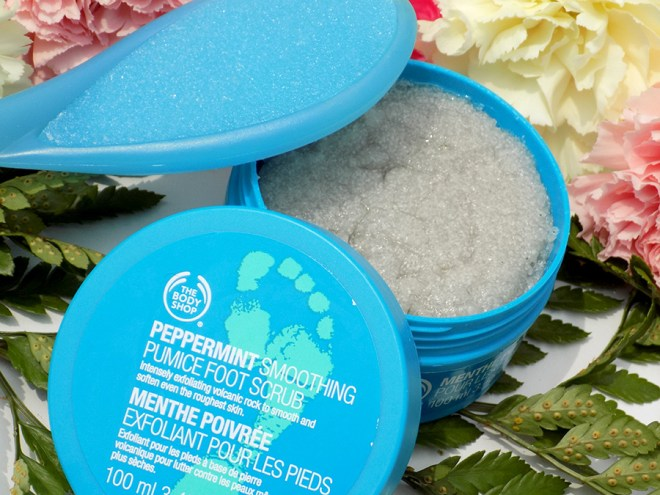 The Body Shop Peppermint Smoothing Pumice Foot Scrub Review