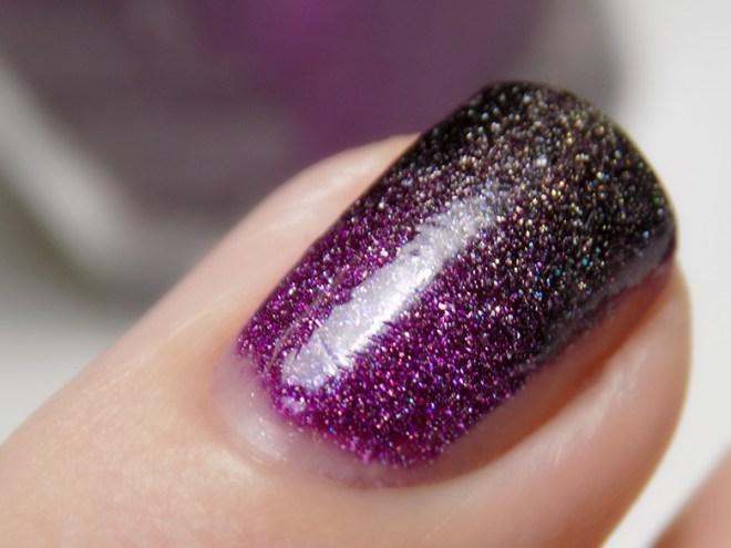 31DC2016 Gradient Nails - Zoya Aurora Storm - Macro