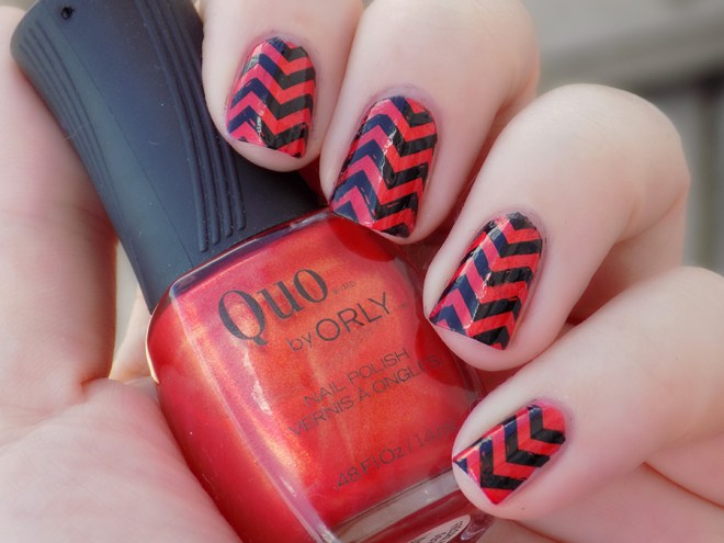 #31DC2016 Day 12 - Zigzag Stripe Lines  using Quo Freshly Cut - MoYou Fashionista 04 - Born Pretty Black
