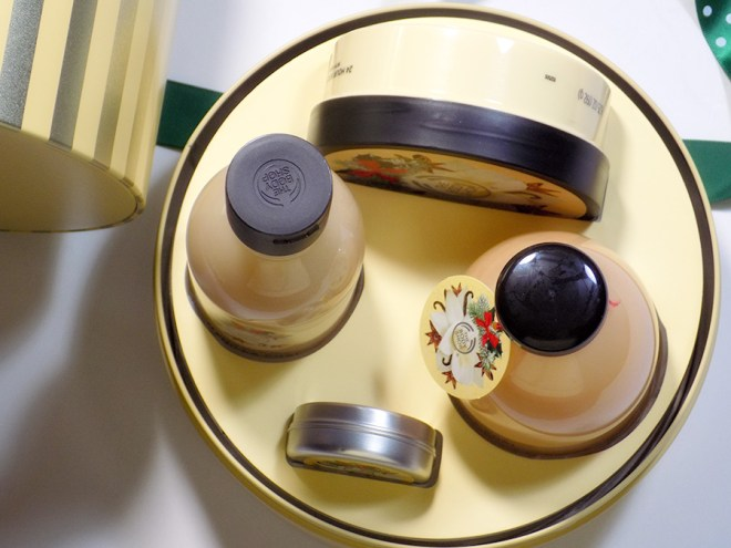 The Body Shop Vanilla Chai Holiday 2016 Gift Tin Review