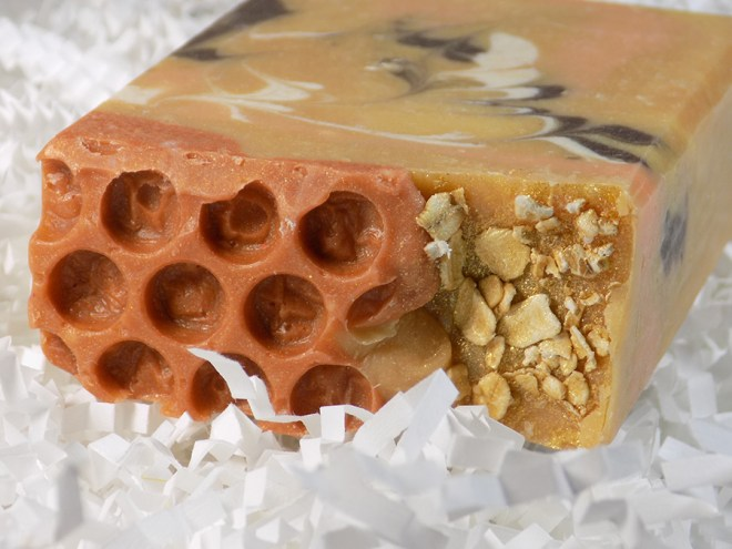 Small Batch Soaps - Canadian Indie - Oatmeal Milk and Honey Soap Reviews