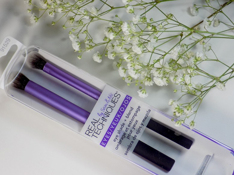 Real Techniques Eye Shade and Blend Duo by Sam and Nic Review