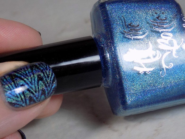 Hit The Bottle Hololulu Blue over CbL Can We Have Trudeau BP-L050 Watermarble Stamping Holo Stamping - Thumb and Bottle