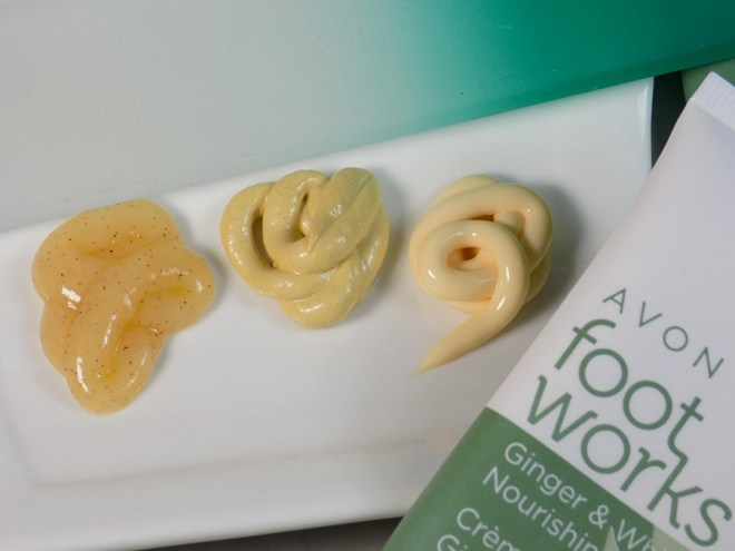 Avon Foot Works Ginger & White Tea Collection Review with Mont Bleu Foot File Review