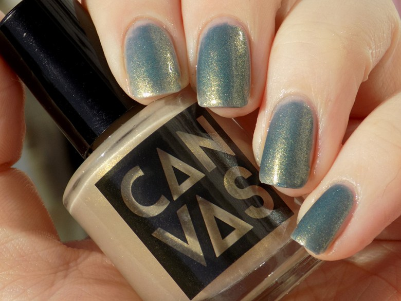 CANVAS Throwing Shade - Blue Cold Transition Colour