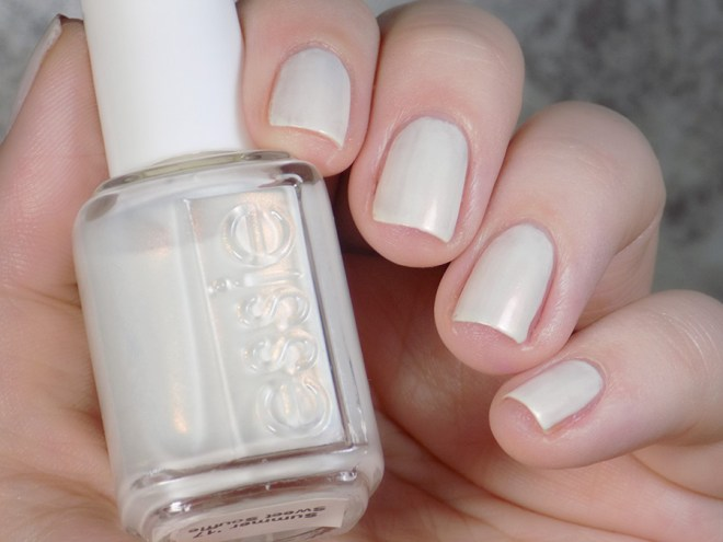 Essie Sweet Souffle - Summer 2017 - Swatch