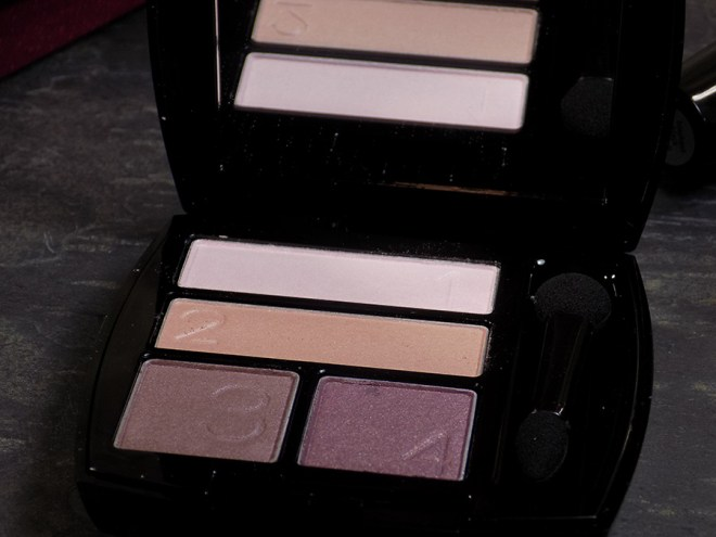 Avon Trends Divine Wine - Avon True Color Eyeshadow Quad in Romantic Mauve