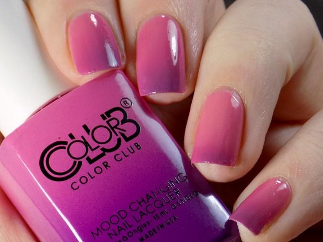 Color Club Mood Polish Feelin' Myself - transition state swatch - artificial light