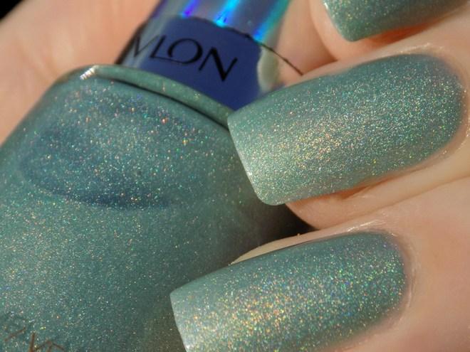 Revlon Fairy Dust HoloChrome Polishes Swatch Macro in Sunlight