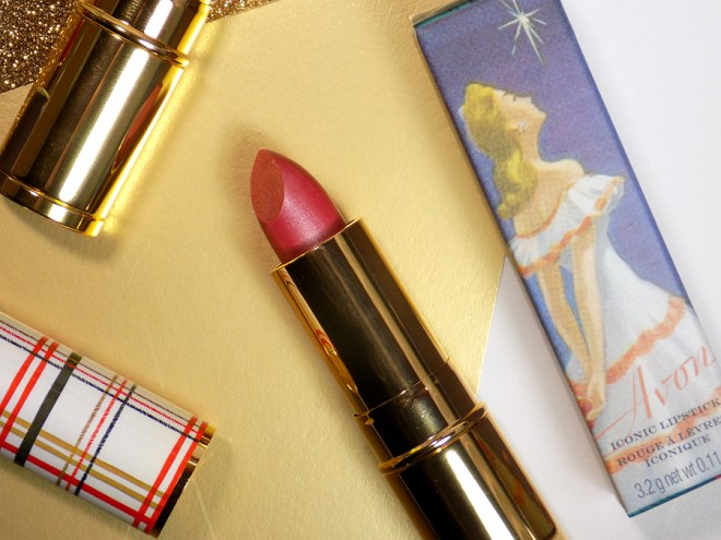 Avon Canada Iconic Lipsticks Holiday Collection 2018 - Merry Mauve - Burberry Style Brit Plaid Cover
