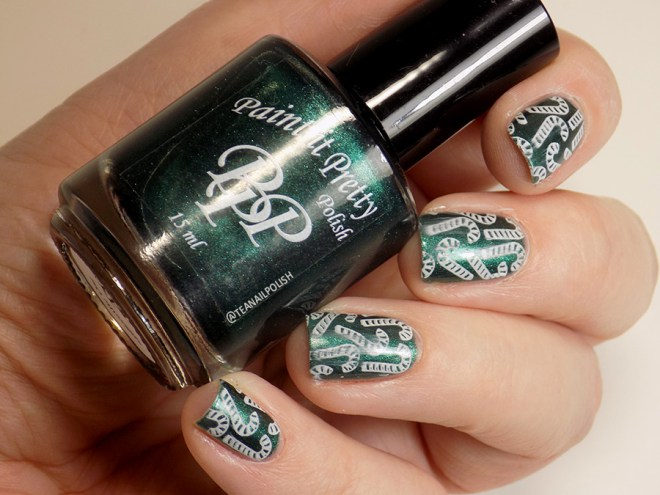 Paint it Pretty Polish Candy to my Cane - Metallic Holiday Collection 2018 - glossy stamped