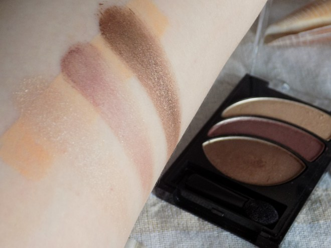 Almay Eyeshadow 020 Smoldering Embers Swatches and Review