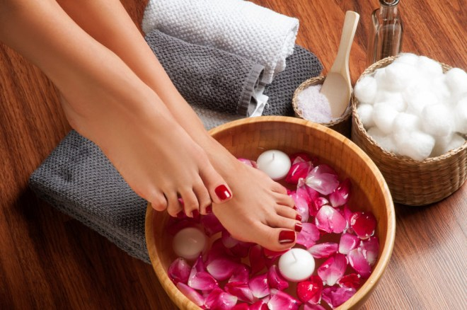 Sensationail Perfect Pedicure at Home - Soak Feet