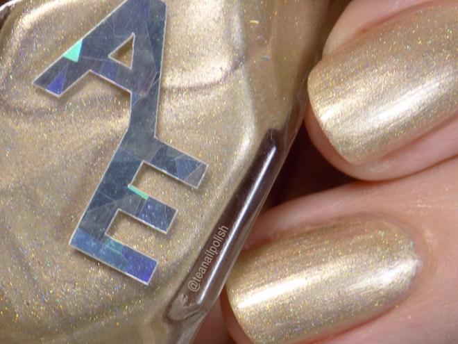 alter Ego IEC VIP - Golden Brilliance - Macro Swatches