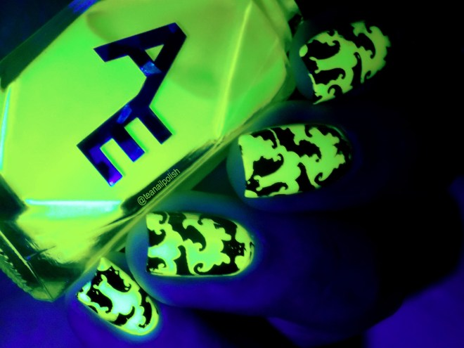 Alter Ego Alterween Glow in the Dark Nail Polish - Bat Stamping - Dark 2