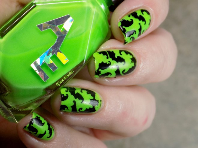 Alter Ego Alterween Glow in the Dark Nail Polish - Bat Stamping - Light 2