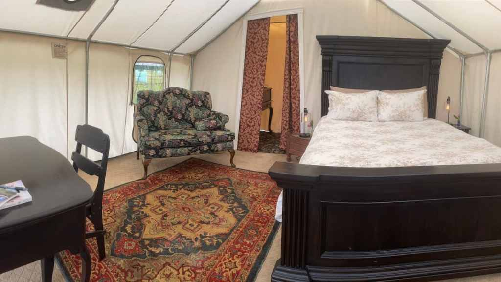 Accommodations: Cottage Camp