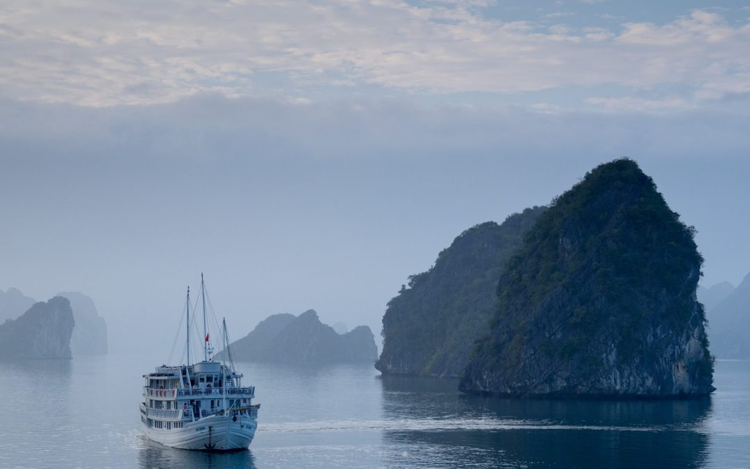 Halong Bay, Miscommunications and Watersports