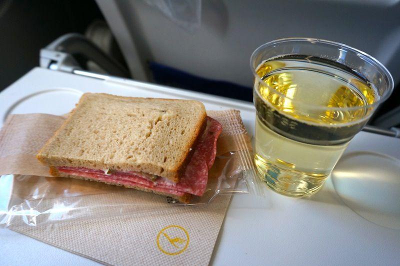 <ルフトハンザ・ドイツ航空機内食>LH1399/PRG-FRA/プラハ-フランクフルト